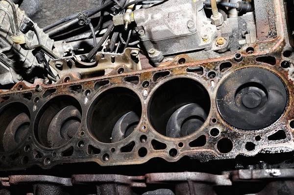 Причины возникновения стука двигателя «на горячую» с фото