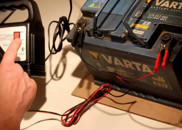 АКБ  грамотная зарядка с помощью внешних устройств с фото
