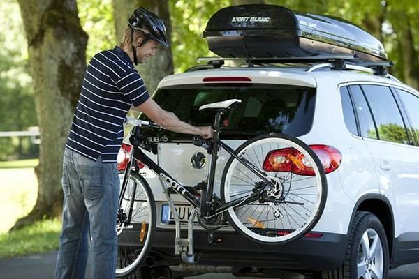Выбираем багажник для велосипеда на фаркоп и заднюю дверь с фото